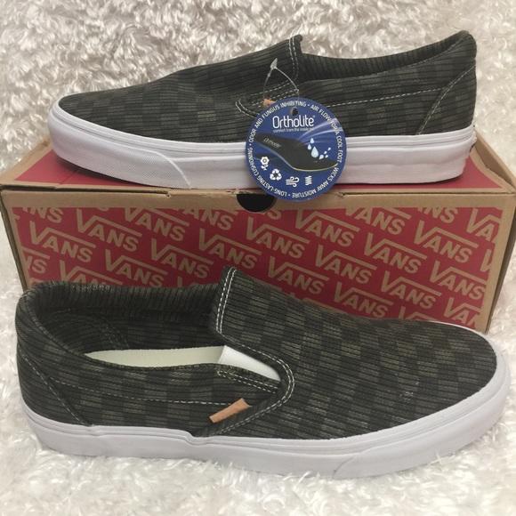 NEW Men s Vans Classic Slip-On CA Green Checker 60d8d7513